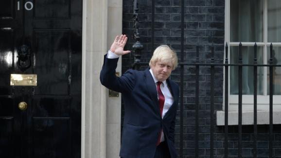 Boris Johnson, alors ministre des Affaires étrangères, quitte le 10 Downing Street, à Londres le 13 juillet 2016.